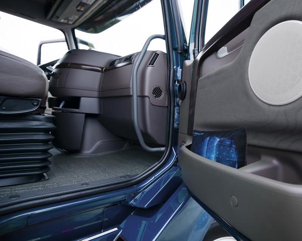 Samochodowy pochłaniacz wilgoci Wessper AquaDryer Truck 900g