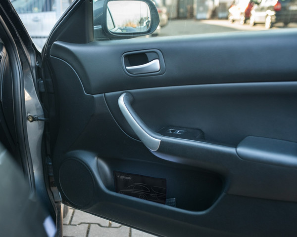 Samochodowy pochłaniacz wilgoci Wessper AquaDryer Car 300g