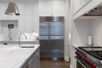 Lodówka zabudowana w kuchni