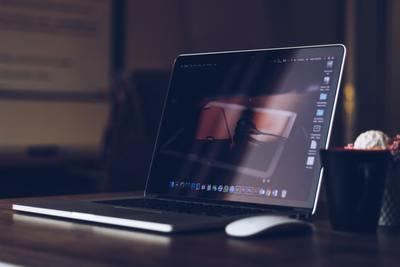 MacBook widok pulpitu