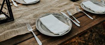 Normal plamy na naczyniach ze zmywarki
